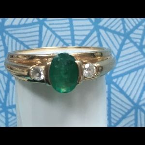Jewelry - 14k Natural emerald & diamond ring